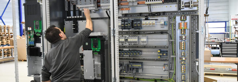 Maatwerk besturingssystemen- TELE besturingstechniek